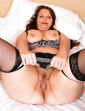 Hairy-British-Housewife