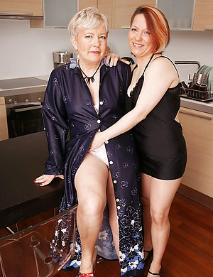 Two lesbian housewives get ready for action